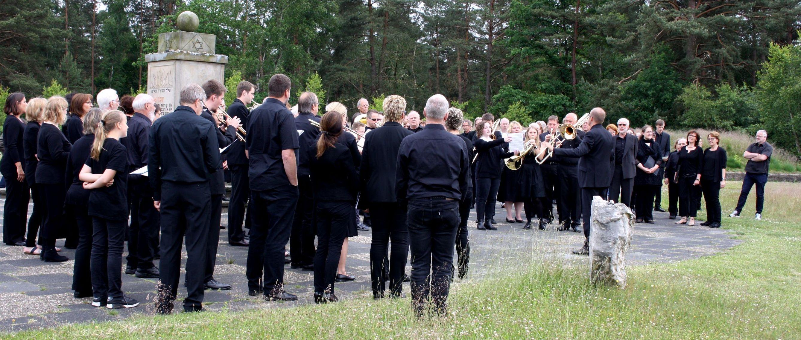 Anne-Frank-Oratorium in Bergen-Belsen